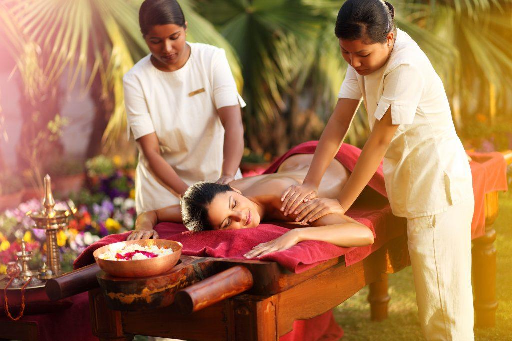 Abhyanga massage, Ananda in the Himalayas