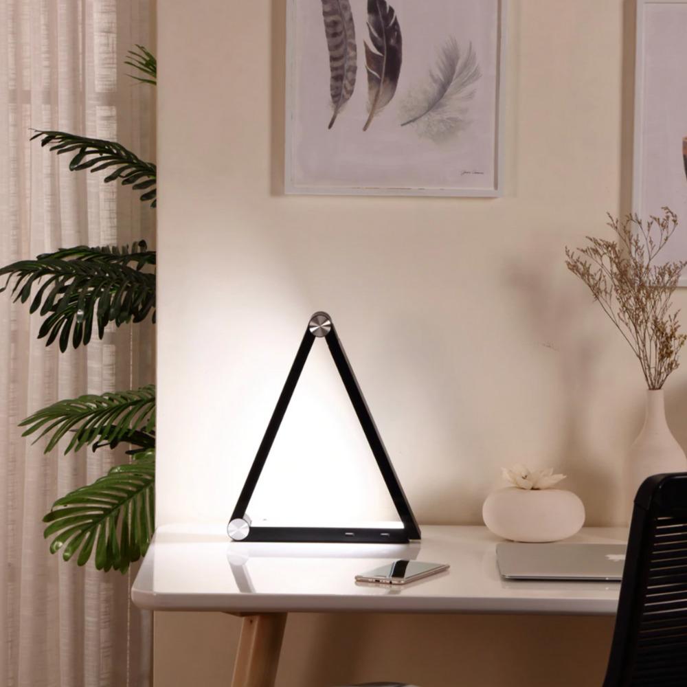 Cedar-and-Jones-Wireless-Charging-Study-Lamp
